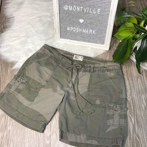American Eagle Camo Print Cotton Linen Shorts